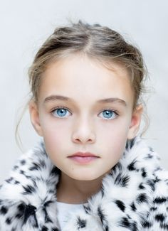 Dawn Evans, 9. She is Will and Lydia's cousin, and Lydia's best friend. She follows Elsa like she's her role model.