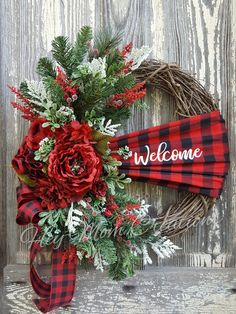 15 DIY Christmas Wreaths From Unexpected Materials Christmas holidays often come with joy and happiness. This can be emphasized with a bunch of DIY Christmas wreaths to make the holiday compl Decoration Christmas, Christmas Wreaths To Make, Holiday Wreaths, Xmas Decorations, Christmas Projects, Christmas Holidays, Holiday Decor, Christmas Ideas, Elegant Christmas