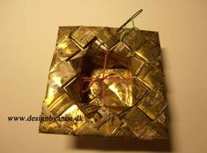 Pink fyrfadsstage Birch Bark, Weaving Art, Origami, Upcycle, Gift Wrapping, Pink, Gifts, Recycling, Paper