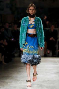 Milano Moda Donna: tendenze Autunno Inverno 2017-2018 - Gonna con pelliccia Prada