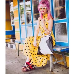 #pinkhair#pinkhairdontcare#misslily#emmkuo#bagoftheday#totesamaze#soho@ootd#wiw#coolgirl#streetstyle#loveit#accessories#emmkuony#wantitall