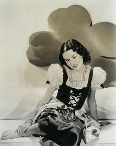 Top of the morning wishes to you from Maureen O'Sullivan.