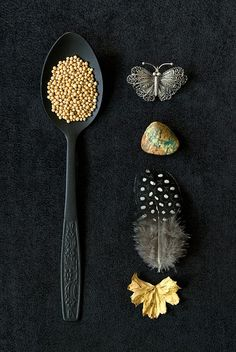 Spoon, feather, rock in black and gold. Or Noir, Black Gold, Black And White, Black Cream, Design Set, Still Life Photography, Black Photography, Product Photography, Memento Mori
