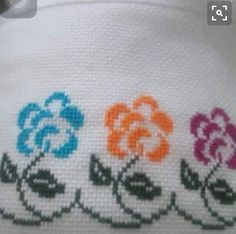 Here you can look and cross-stitch your own flowers. Cross Stitch Borders, Cross Stitch Flowers, Cross Stitch Designs, Cross Stitching, Cross Stitch Embroidery, Embroidery Patterns, Hand Embroidery, Cross Stitch Patterns, Crochet Patterns