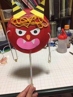 素敵なアイデアをいっぱい持ってる保育士さんや幼稚園の先生♡子供が楽しくなっちゃうおもちゃを、手づくりしていて本当に素晴らしいですよね♪楽しいお話をさらに盛り上げる手袋シアターやエプロンシアター♡瓶の王冠でタンバリン!?大人もワクワクしちゃうかも! Abc Crafts, Preschool Crafts, Diy And Crafts, Crafts For Kids, Arts And Crafts, Monster Activities, Craft Activities, Japan Crafts, Funny Monsters