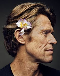 Willem Dafoe by Martin Schoeller His face is so powerfully constructed! Martin Schoeller, Beautiful Men, Beautiful People, Willem Dafoe, I Love Cinema, Culture Pop, Celebrity Portraits, Interesting Faces, Celebs