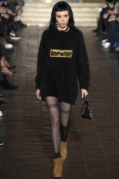 Alexander Wang Fall 2016 Ready-to-Wear Fashion Show