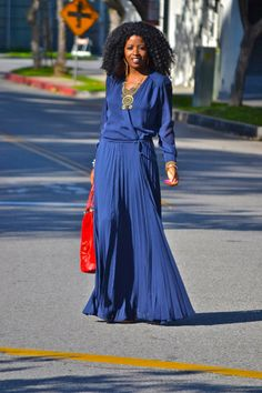 would love this dress - simple, chic and comfortable  Parker 70s Pleated Maxi Dress (Via Style Pantry)