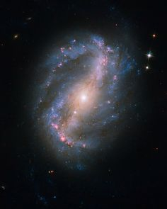 HubbleSite - NewsCenter - Hubble Opens New Eyes on the Universe (09/09/2009) - Release Images