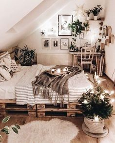 A mix of mid-century modern bohemian and industrial interior style. Home and apartment decor decoration ideas home design bedroom living room dining room kitchen bathroom office simple modern contemporary boho bohemian beach style industrial rustic DIY pr Bedroom Inspo, Design Bedroom, Bedroom Ideas, Cozy Bedroom, Boho Bedrooms Ideas, Bedroom Inspiration, Rustic Teen Bedroom, Modern Bohemian Bedrooms, Modern Teen Room