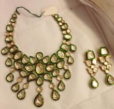 Indian Wedding Jewelry - Polki Kundan Set | WedMeGood Bridal Polki Kundan Necklace with Meenakari work, and Polki Earrings  #wedmegood #polki #kundan #jewelry