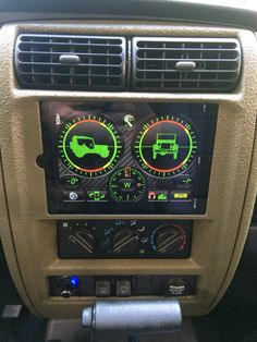 iPad installed in Dashboard Jeep Zj, Jeep Xj Mods, Jeep Gear, Jeep Wrangler Tj, Jeep Wrangler Unlimited, Jeep Truck, Jeep Cherokee Xj, Cherokee Sport, Accessoires Camping Car