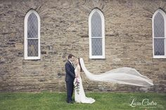Pittsburgh Wedding - Rustic Bride and Groom portrait  © Lucia Cintra Photography www.luciacintra.com