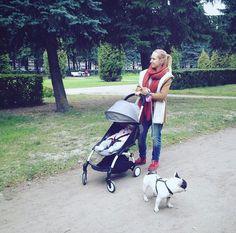 A family walk! @mityavol #BABYZENYOYO #BABYZEN
