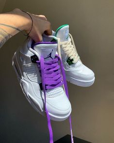 Sneakers Fashion, Fashion Shoes, Shoes Sneakers, Sneaker Heels, Fashion Fashion, Jordan Shoes Girls, Girls Shoes, Basket Style, Swag Shoes