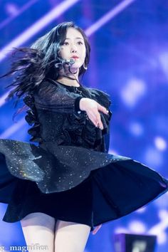 SinB South Korean Girls, Korean Girl Groups, Group Au, Sinb Gfriend, Cloud Dancer, Fan Picture, G Friend, Queen B, Dance Moves