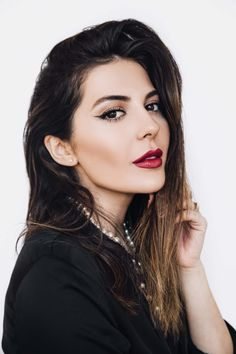 Makeup artist Sona Gasparian shows off a classic French makeup look.
