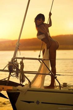 Riding in The Lap of Luxury Travel With a Virgin Island Yacht Charters Boat Girl, Yacht Party, Yacht Interior, Charter Boat, Beach Poses, Yacht Boat, Fishing Girls, Yacht Design, Luxury Yachts