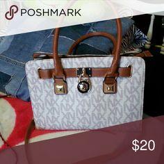 Nx handbag Brand new never used. Medium size Bags