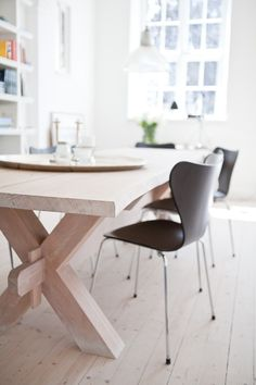 Dining table- big chunky wood♥