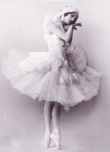 Anna Pavlova (1881-1931) is known as one of the finest classical ballet dancers. She was a Russian ballerina, particularly  known for her creation of The Dying Swan.  Pavlova was accepted with the Imperial Ballet in 1899 and appeared in La Fille Mas Gardee the same year. By 1905, Pavlova was appointed prima ballerina. The Dying Swan was choreographed by Mikhail Fokine especially for Pavlova. She was the first ballerina to tour around the world.