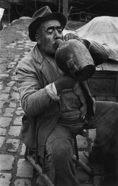 Magnum Photos - Robert Capa © International Center of Photography TURKEY. Ankara. 1946.
