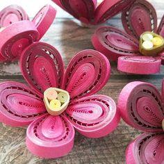 quilling flowers #quilling#paperquilling #quillingflowers #quillingart#papercrafts #paperart#paperflowers #handmade #공예#종이감기#종이감기공예#종이감기꽃#종이공예#종이꽃#핸드메이드#취미#クイリング#ペーパークラフト#手作り