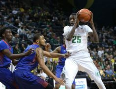 No. 15 Oregon Ducks look to stay perfect, host Fresno State: Game preview and live updates