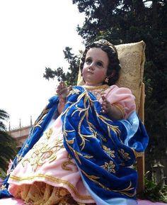 Santísima Virgen Niña, sé mi amparo y defensa!