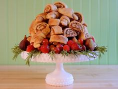 Scrumptious, buttery and flaky cream cheese pastry, with an irresistible… Cranberry Cookies, Holiday Cookies, Rugelach Cookies, Shortbread Cookies, Homemade Tacos, Homemade Taco Seasoning, Cake Ingredients, Chocolate Chip Cookies