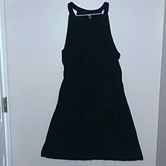 NWT Halter style  dress Old Navy dress , 100% rayon . Has elastic waist. Rounded split neck that dips into a vneck with one button. Hemline is a little past the knees. Old Navy Dresses Mini
