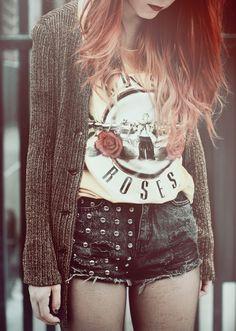 guns n' roses vintage concert shirt & grommet ripped denim shorts. rock n' roll/grunge style.