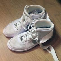 Air Force 1 Nike vendues par Johana sur ClozMe
