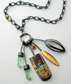 Jewelry | Jewellery | ジュエリー | Bijoux | Gioielli | Joyas | Art | Arte | Création Artistique | Artisan | Precious Metals | Jewels | Settings | Textures | sydney lynch