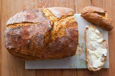 Bardzo prosty chleb nocny na drożdżach - Lawendowy Dom Bread Shaping, Kielbasa, Bread Recipes, Sweet Recipes, Catering, Salads, Recipies, Food And Drink, Vegan