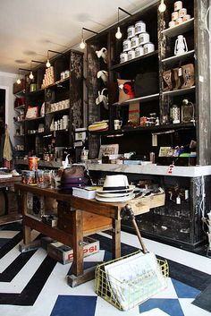 Drake general store toronto cool cafe, boutiques, old Design Food, Design Café, Store Design, Floor Design, Design Exterior, Shop Interior Design, Retail Design, Shop Window Displays, Store Displays