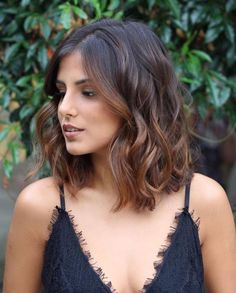 Chocolate And Caramel Balayage With Black Roots hair styles for thick hair bob shoulder length 50 Gorgeous Wavy Bob Hairstyles with an Extra Touch of Femininity Medium Hair Styles, Curly Hair Styles, Cool Haircuts For Girls, Wavy Bob Hairstyles, Gorgeous Hairstyles, Simple Hairstyles, Beautiful Haircuts, Bob Haircuts, Formal Hairstyles