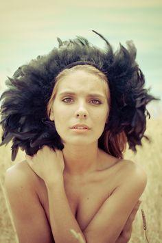 Caitlin Stasey ❤️ Loooooove her Lady Kenna, Rachel Hurd Wood, Caitlin Stasey, Anna Popplewell, Tribal Warrior, The Cw, Celebs, Celebrities, Beautiful Actresses