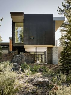 The Architect worked intimately with the Client, a New York based HIV/AIDS researcher and his family to carefully build in this mountain landscape leaving un...