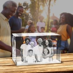 Crystal Rectangle Picture in Glass Block Personalized Family Gifts, Foto 3d, Glass Engraving, 3d Crystal, Wine Stoppers, Funny Clips, Glass Blocks, Glass Etching, Shopping