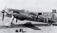 Another view of the captured Focke Wulf Fw 190 at RAF Pembrey Ww2 Aircraft, Fighter Aircraft, Military Aircraft, Fighter Jets, Luftwaffe, Focke Wulf 190, Mustang, The Spitfires, Ww2 Pictures
