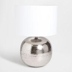 tischchen mit eingraviertem rundem siegel beistellm bel zara home deutschland tantet. Black Bedroom Furniture Sets. Home Design Ideas