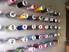 Quadro com linhas de costura