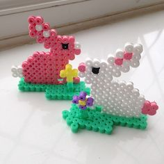 Easter bunnies hama beads by tbroddle - Tutorial: https://www.pinterest.com/pin/374291419008036505/