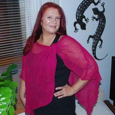 Neuleponcho Magenta Magenta, Sari, Fashion, Saree, Moda, Fashion Styles, Fashion Illustrations, Saris, Sari Dress