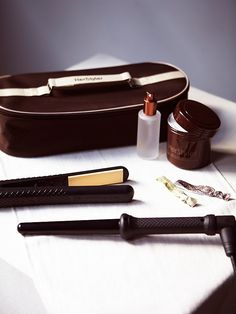 All the essentials for gorgeous healthy hair in one convenient travel bag. Kit contains ceramic hair straightener and curling wand that's perfect for all hair types, protective heat resistant glove, Argan oil serum infused with Vitamin E, and an Argan oil hair mask.