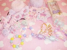 Very cute accessories essential for any Loli ^-^