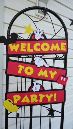 Itty Bitty Ladybugs: Mickey Party Welcome Sign