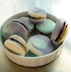 Tri-Colour Macarons: Blueberry White Chocolate Ganache Macarons... looks like a lovely little ocean wave