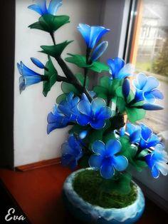 blue flower arrangment